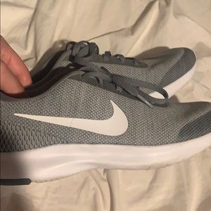 Women Nike's grey running shoes size 8!